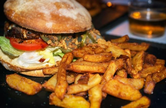 083533662-junk-food-concept-hamburger-fr